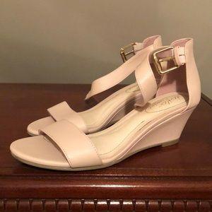 Dexflex comfort wedge heel